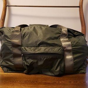 Core Nylon Duffel Bag - Olive Green